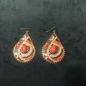 Jewelry - Gold and orange stone earrings.